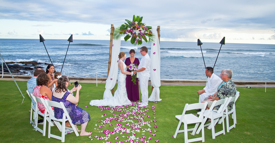 Hawaii weddings hawaii elopement hawaii vow renewals junglespirit Images